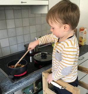 junge Küchenhilfe