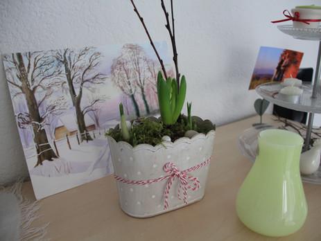 Frühlingsgestecke wecken Vorfreude