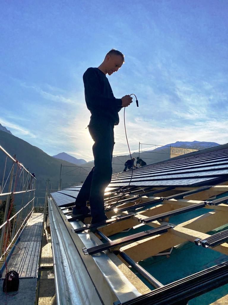 05 photovoltaik installation.jpg