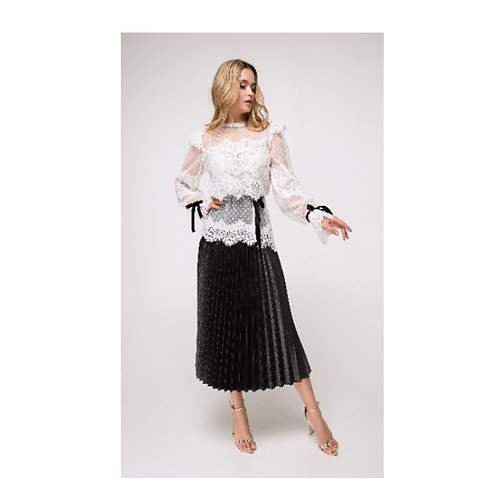A romantic white lace shirt decorated with black high-waisted velvet ribbons