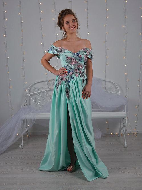 שמלת מחוך מעוצבת עם עיצוב תלת ממדי.טורקיז מעוצבת בתלת מימד הפרחיםבעבודת יד