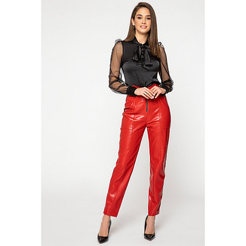 מכנסי עור אופנתיים בצבע אדום זוהר מותן גבוה וכיסים