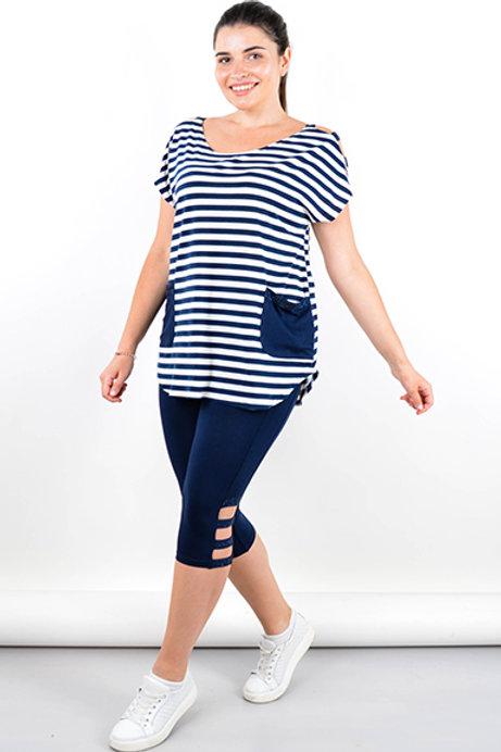 חליפה חולצה מפוספסת ומכנסי קאפרי כחול לבן מידות גדולות