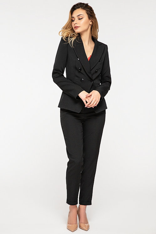 Black pantsuit, high-waisted skinny pants and a long-sleeved jacket