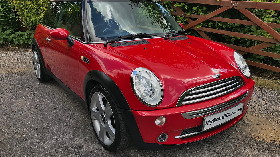 2005/05 MINI COOPER WITH CHILI PACK.