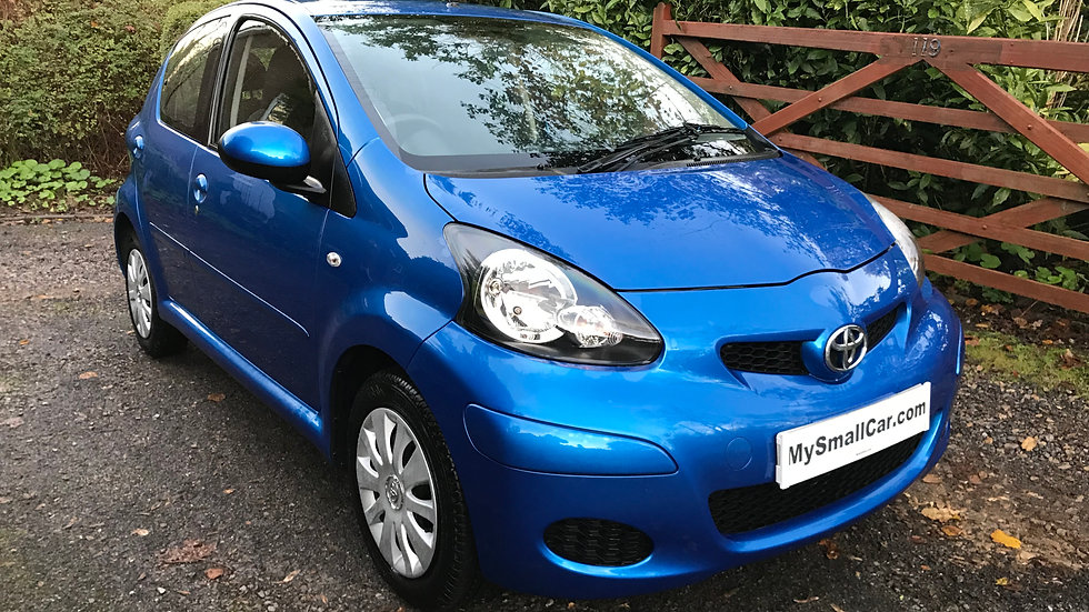 2011/60 TOYOTA AYGO VVT-i BLUE 5DR WITH AIR CON AND BLUETOOTH
