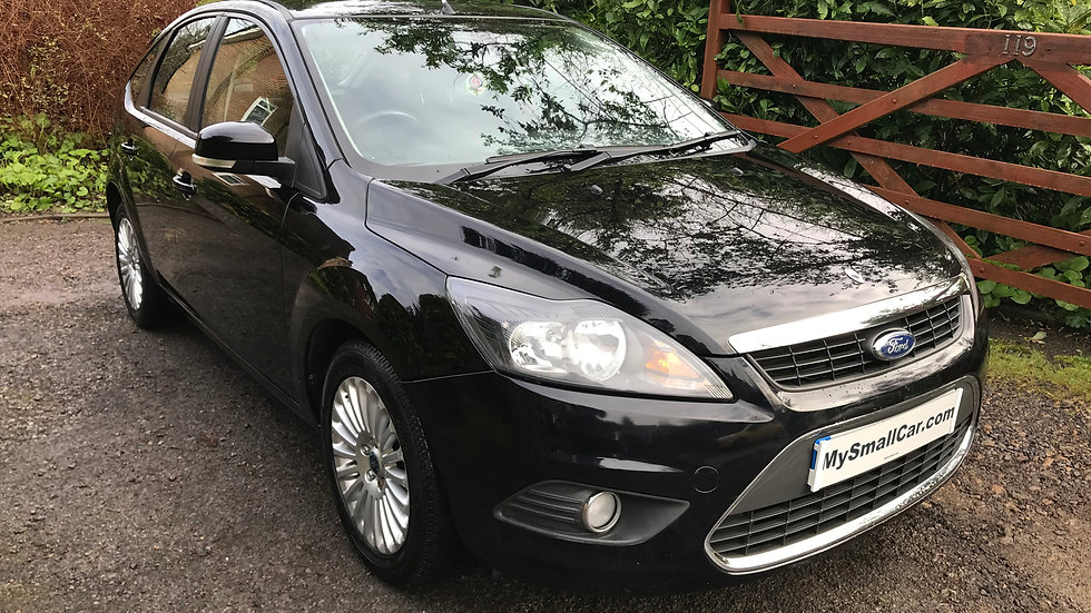 2010/10 FORD FOCUS 1.6 TITANIUM 5DR AUTOMATIC WITH ONLY 66,000 MILES