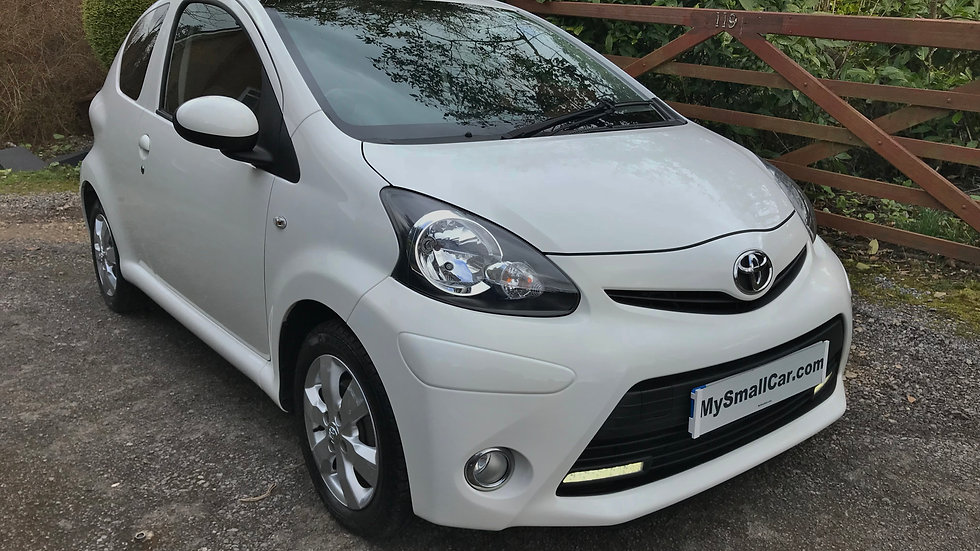 2012/12 Toyota Aygo 1.0 VVT-i Ice STUNNING THROUGHOUT