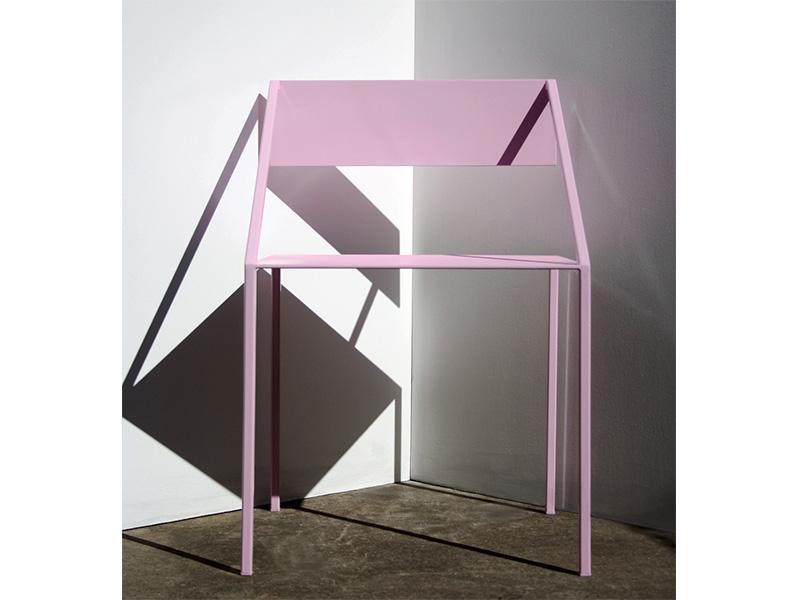 Peek Chair Pink