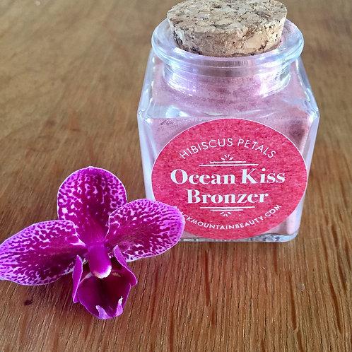 Ocean Kiss bronzing highlighter