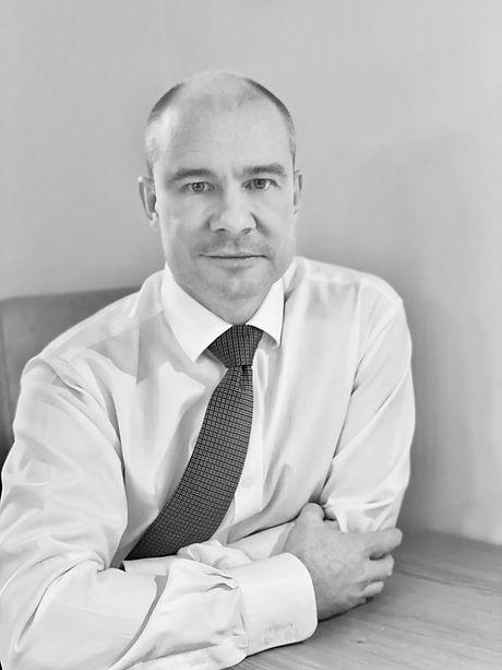 Mr Simon Garrett Orthopaedic Surgeon Dor