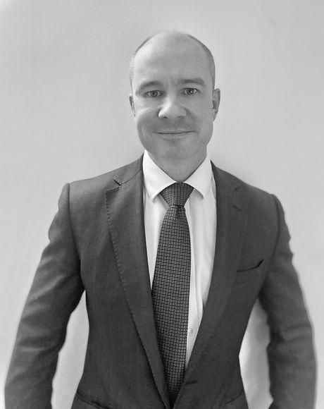 Mr Simon Garrett, Orthopaedic Consultant Dorset