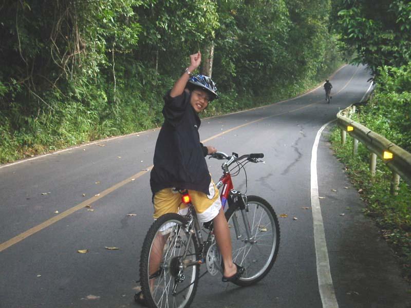 full_khao_yai_biking_1.jpg