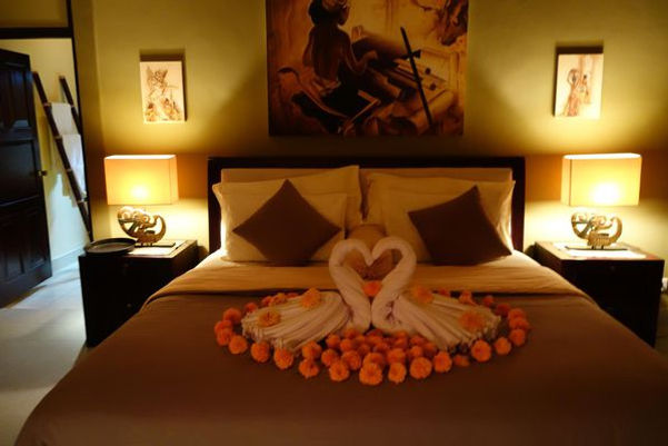 A comfortable bed for honeymooners and others