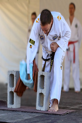 Tile breaking b an ITF Taekwondo black belt