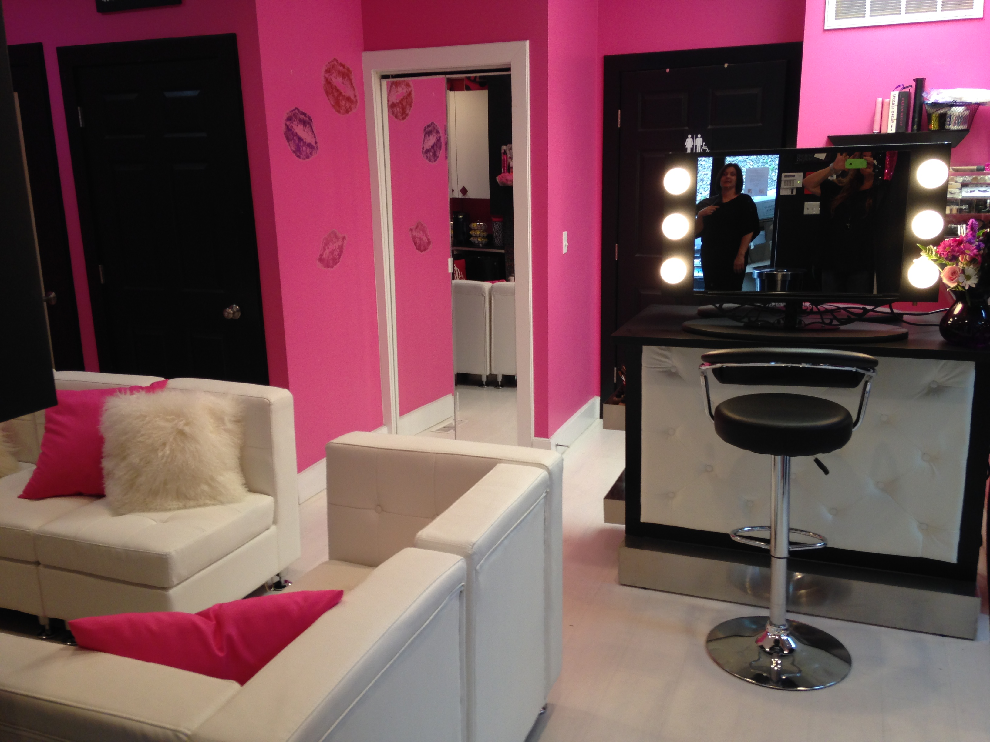 Fabulous MAKEUP BAR!!!!