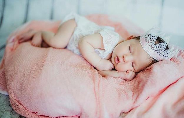 Editing photos of babies = I've got baby