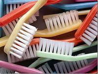 Нужно ли менять зубную щетку?