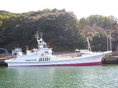 カツオ一本釣り協力船4.jpg