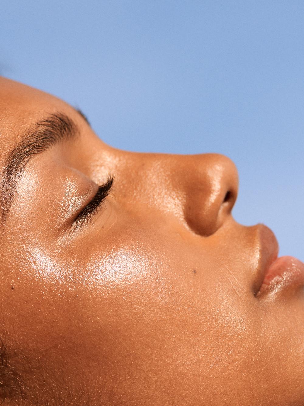 Proteggetevi dal sole e dai suoi danni con lo skincare