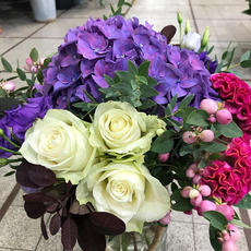 Roses blanches et Hortensia