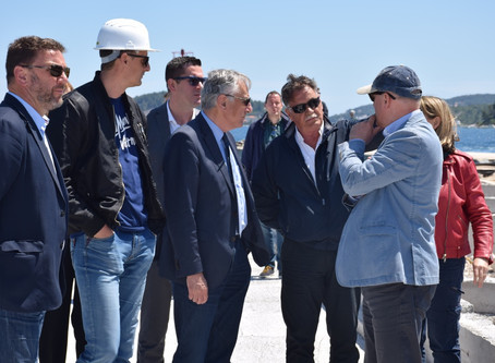 Završnu fazu izgradnje rive na Dominču obišao župan Dobroslavić sa suradnicima