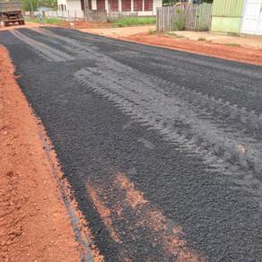 Prefeitura municipal em parceria com o Estado iniciam asfaltamento no distrito de Campinas