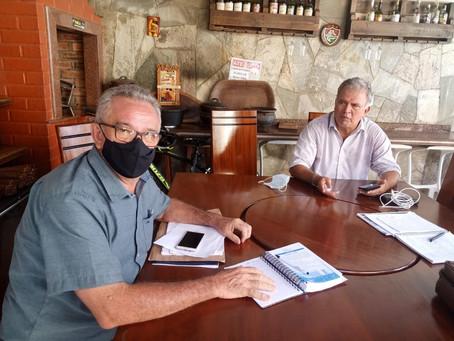 Prefeito Camilo Silva faz visita ao Senador Sérgio Petecão,  em busca de emendas para o município