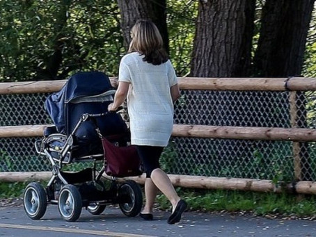 Розмір допомоги по вагітності та пологах виріс з початку року на 14,5%