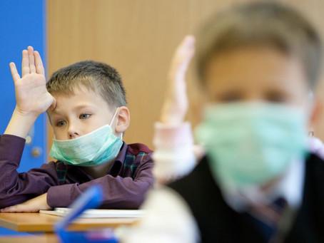 МОН не забезпечуватиме учнів та вчітелів масками і антисептиками