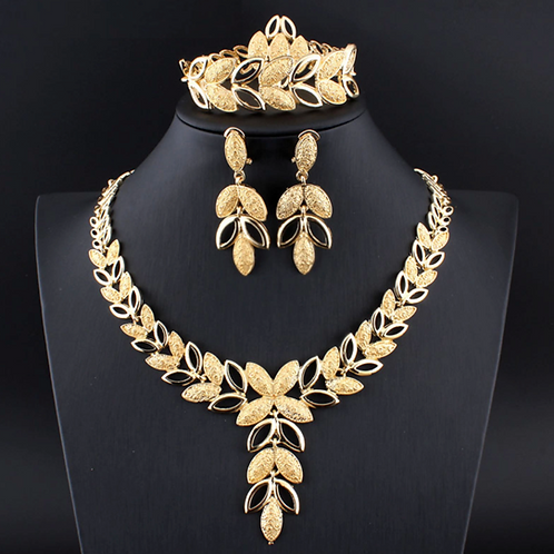 QUEEN HAILEMAH COMPLETE ROYAL AFRICAN NECKLACE  SET - GOLD