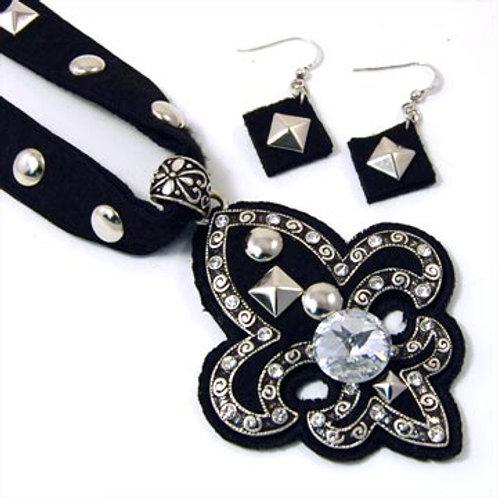 Felt Back Studded Fleur De Lis Necklace Set