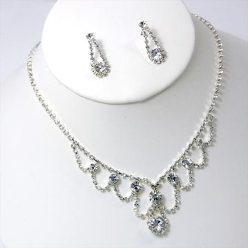 LOOPED CRYSTAL NECKLACE SET