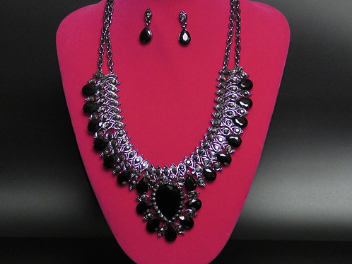 QUEEN HAILEMAH ROYAL BLACK COLLAR NECKLACE SET