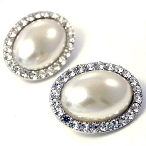 LARGE OVAL PEARL CLIP EARRINGS