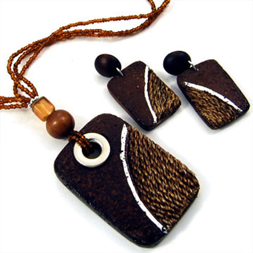 WOODEN TRIANGLES NECKLACE SET-BROWN