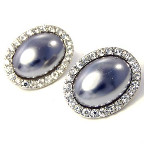 LARGE OVAL PEARL CLIP EARRING