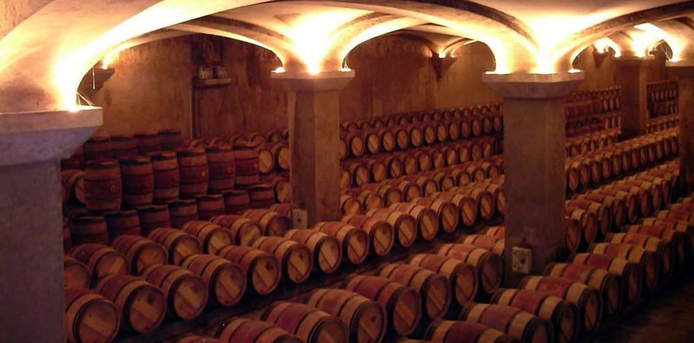 As vinícolas mantêm controle constante ao armazenar seus vinhos (Foto: reprodução/internet)