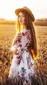 Adroll-website-woman-facing-camera-photo