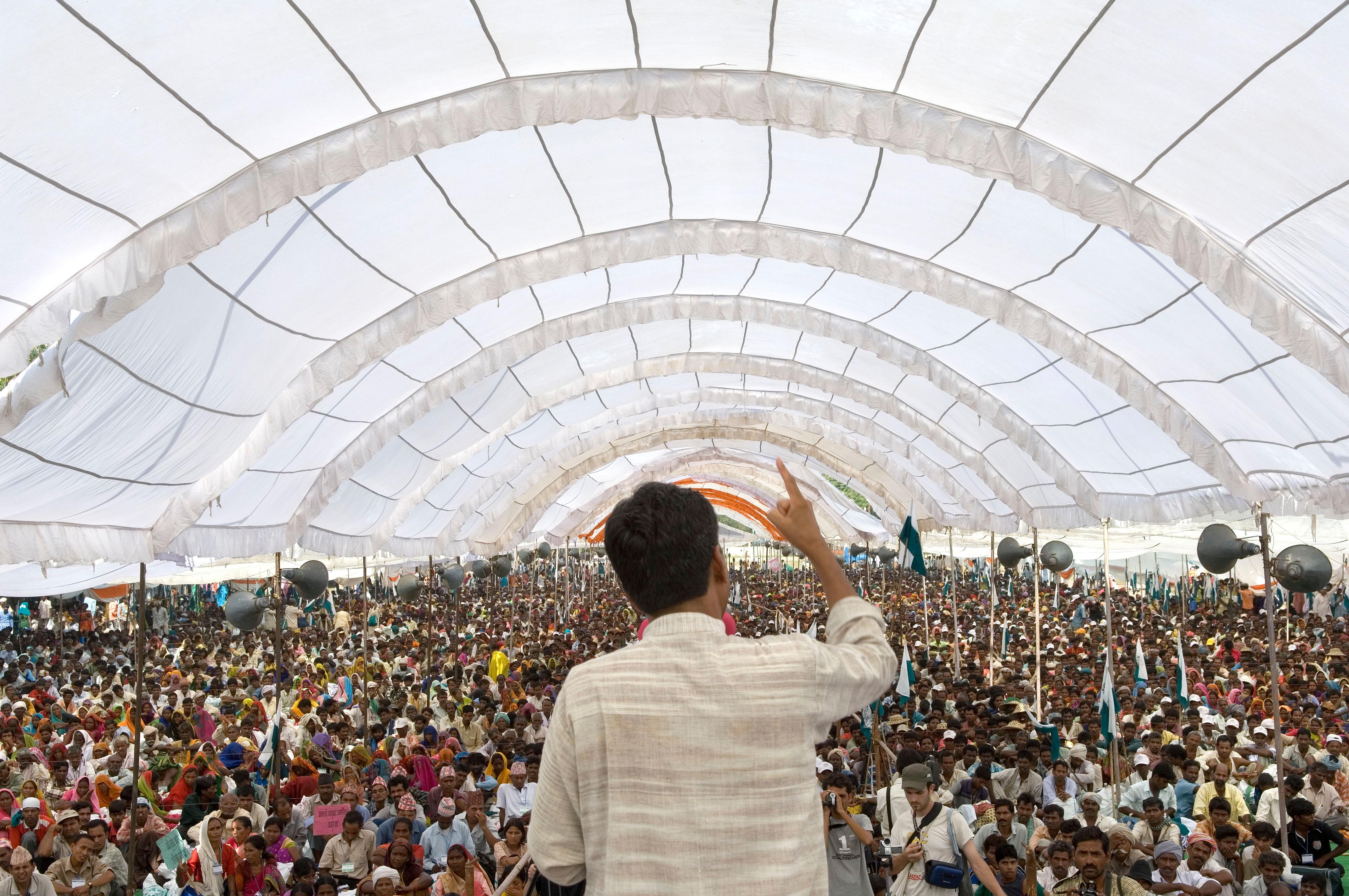 quco-14 large crowd.jpg