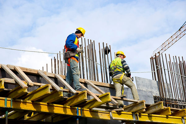 workers-examining-work_1122-970.jpg