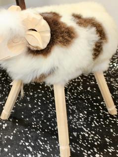 Tabouret mouton artisanal