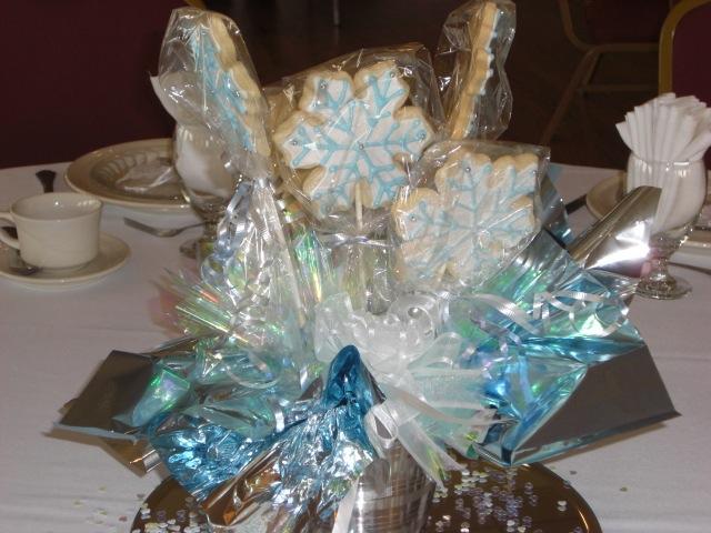Snowflake Basket Centerpiece