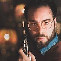 Pedro Teixeira teaches oboe at www.musictutoronline.com