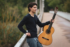 classical guitar lessons online at www.musictutoronline.com