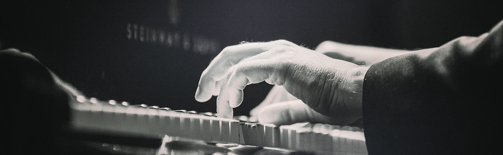 Learn from professional musicians at MusicTutorOnline