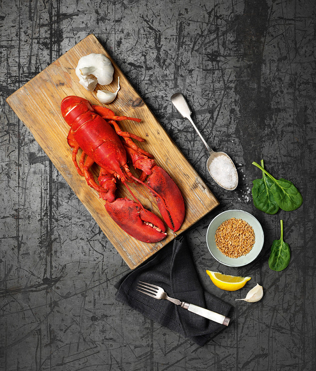Lobster with spinach and tender wheat -