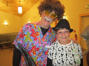 Volunteers-Oren-and-Bonnie-400x300.jpg