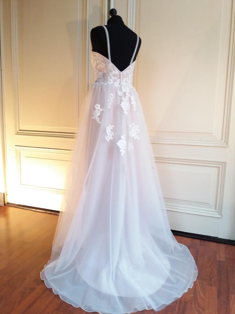 Satijnen bruidsjurk met tule rok