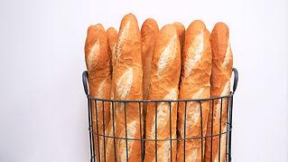French artisanal baguettes basket